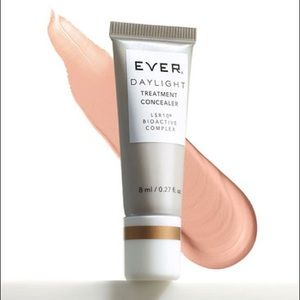 EVER DAYLIGHT Treatment Corrector with LSR10®